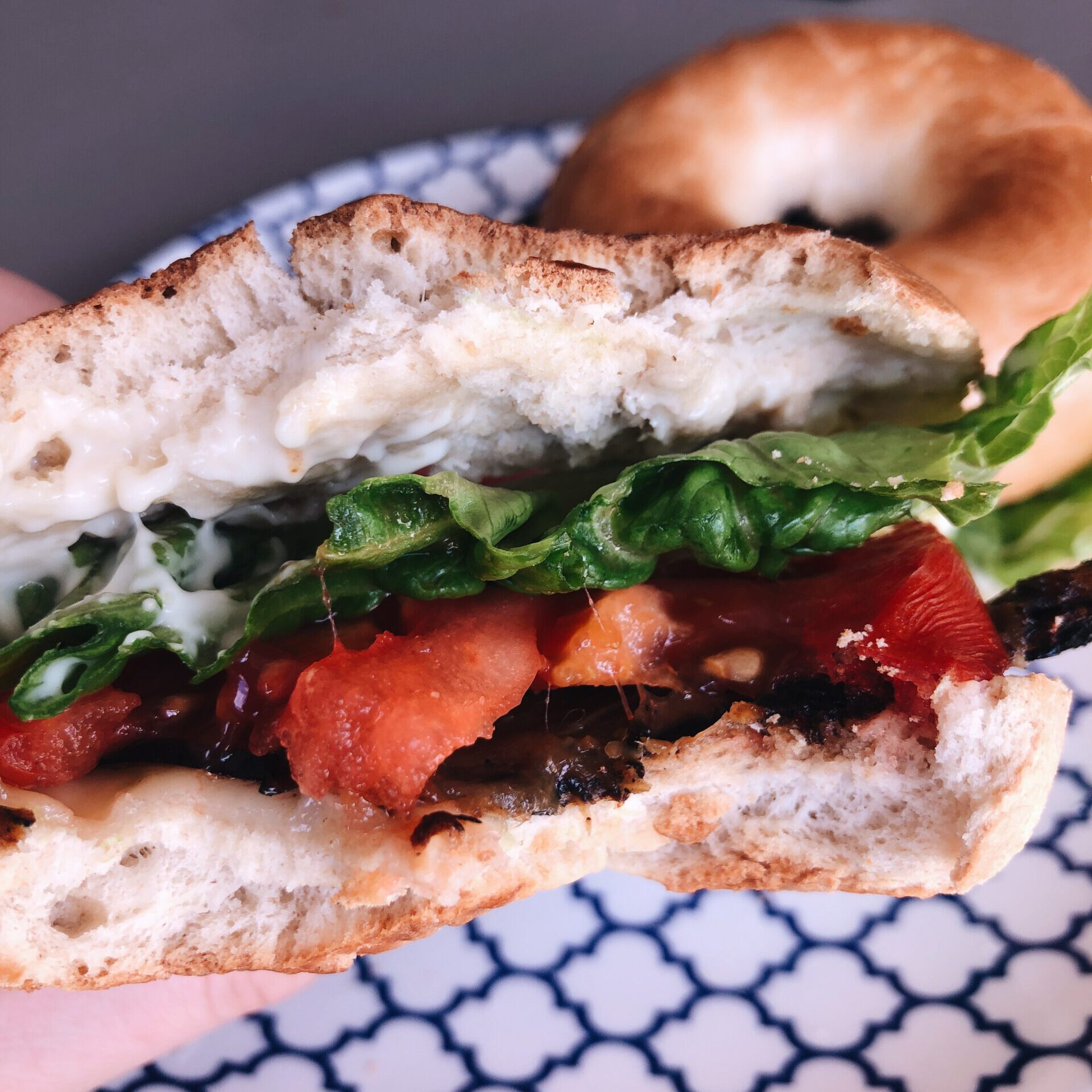 Read more about the article Vegan bacon bagels