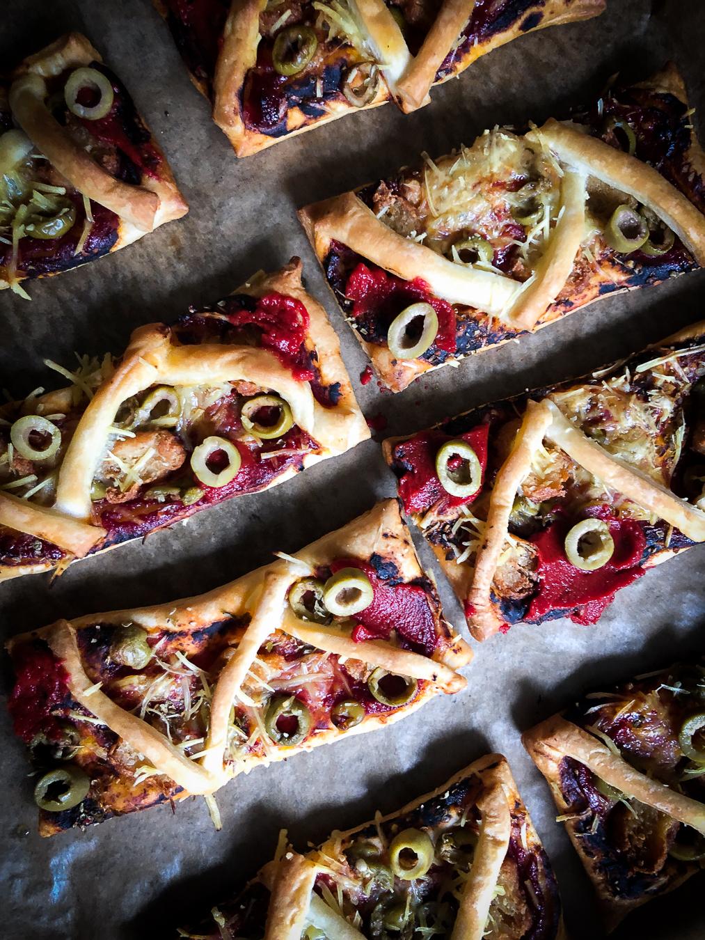 Read more about the article Spiderweb mini pizza's | Halloween '20