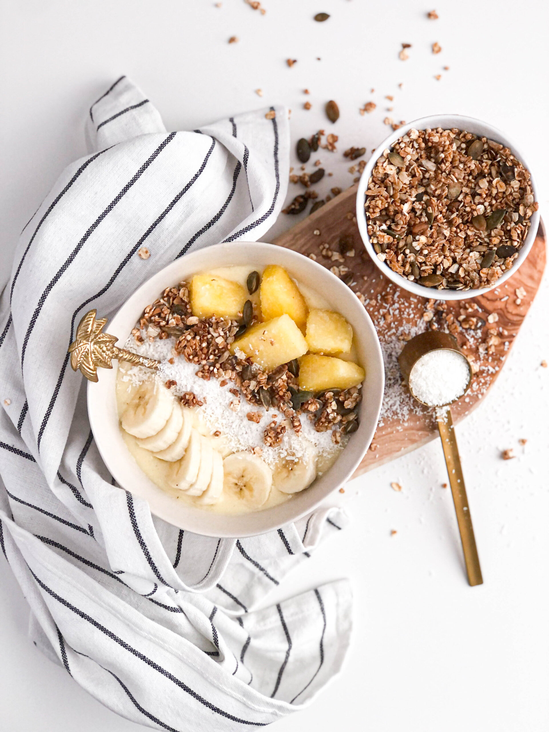 Read more about the article Piña colada smoothie bowl